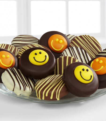 Chocolate Dip Delights™ Smile Sensation Oreo® Real Chocolate Covered Cookies